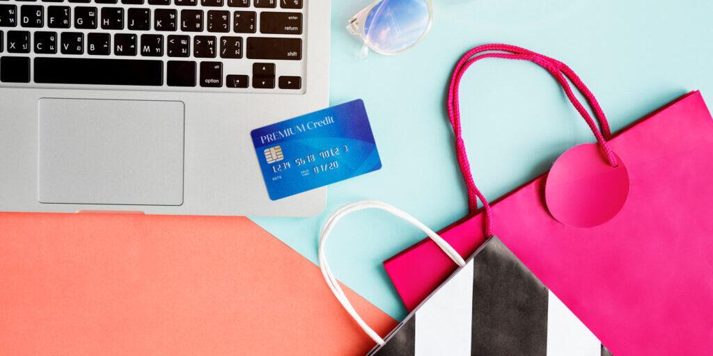 vintage-lifestyle-minimalist-femininity-e-shopping-concept